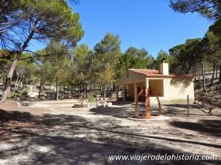 fotografía de la zona recreativa de la Cova Negra, Biar, Alicante