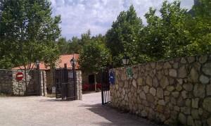 imagen de entrada al camping la Serradora, Peralejos de las Truchas, Guadalajara