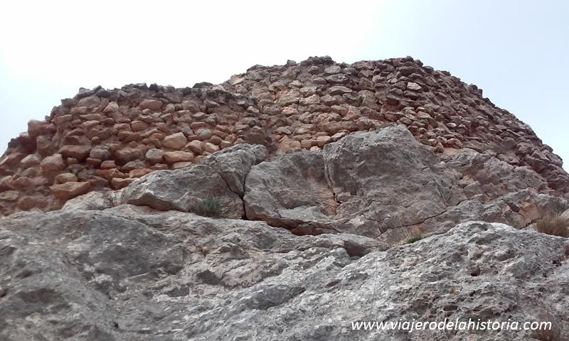 foto de muralla del Castillo de Salvatierra, Villena, Alicante
