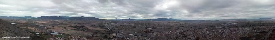 imagen de vista panorámica de Biar y Villena desde el Castillo de Salvatierra