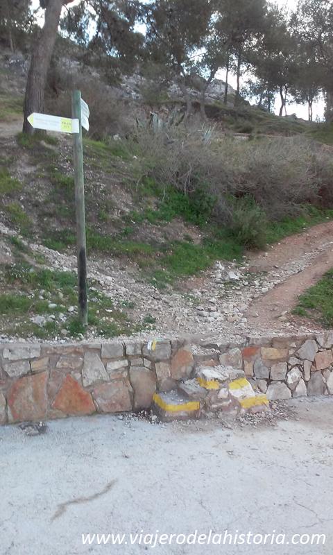 imagen de punto de inicio de la ruta del castillo de Salvatierra, Villena, Alicante